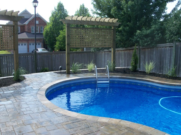 Pool landscaping durham region poolscapes for Privacy pool screen