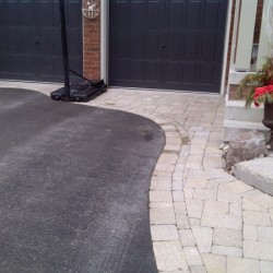 curved interlock front landscaping walkway